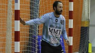 El portero argentino Leo Maciel en un partido del MMT Seguros