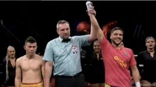 Jerobe Santana en su triunfo ante David Morales