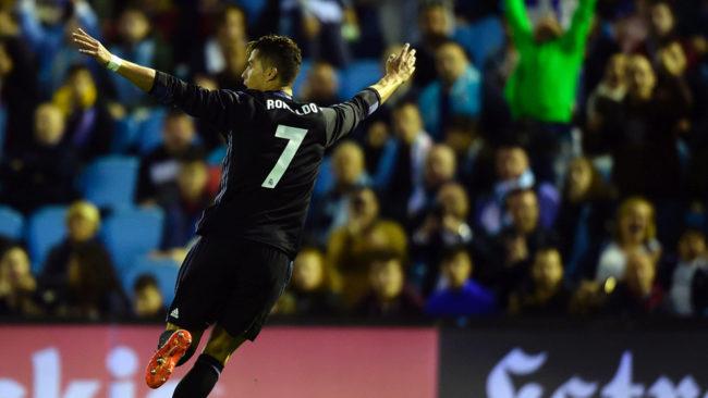 Cristiano Ronaldo celebra el 0-2 al Celta en Bala�dos, el gol 54 del...