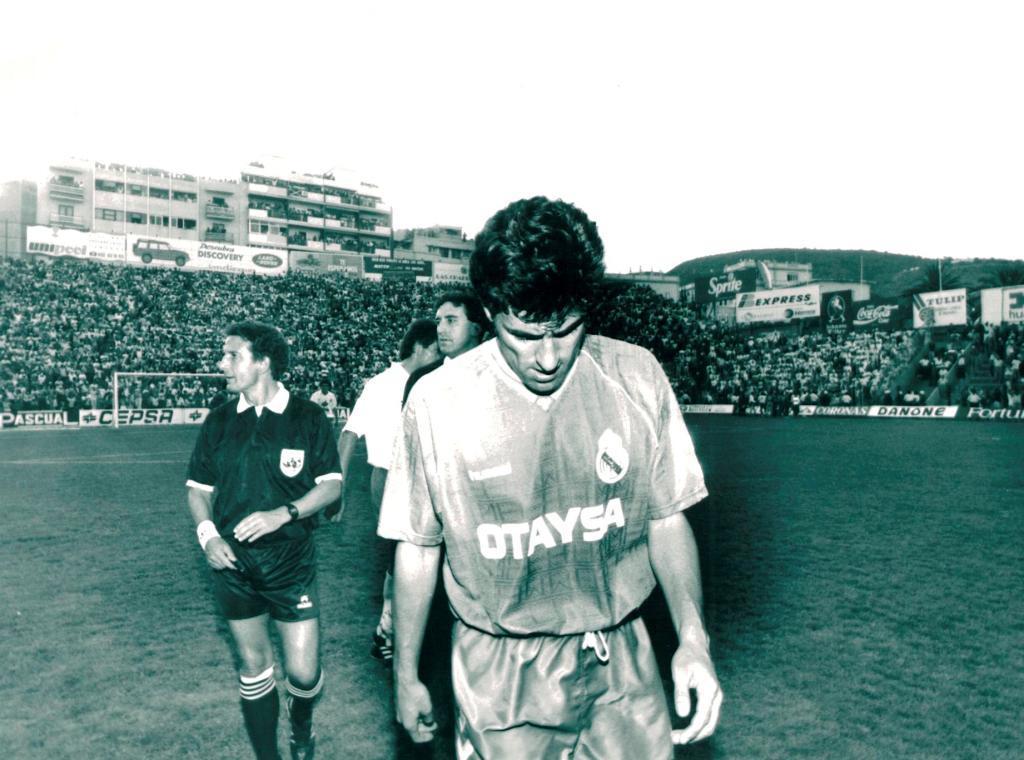 Míchel González desolado tras perder la Liga en Tenerife