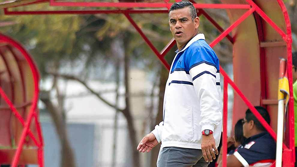 Héctor Altamirano durante un partido del Apertura 2016 como...