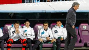 El banquillo del Madrid aquel d�a en La Rosaleda, con Casillas,...
