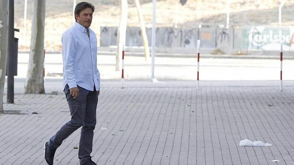 Toni Muñoz, en los aledaños del Coliseum azulón