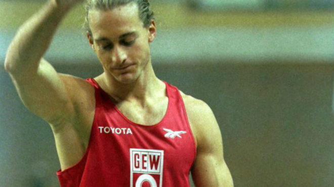Tim Lobinger en una competición en España en 2000.