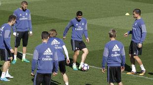 James en un entrenamiento con el Madrid