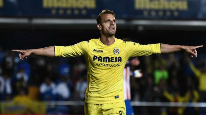 Soldado celebra un gol esta temporada con el Villarreal.