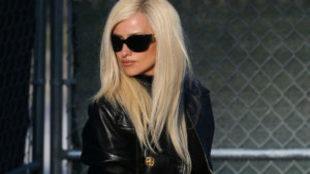 Penélope Cruz en la piel de Donatella Versace