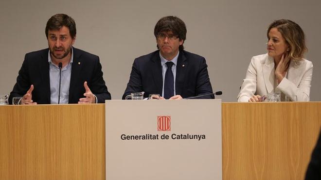 El conseller de Salud de la Generalitat de Catalunya, Antoni Comín;...