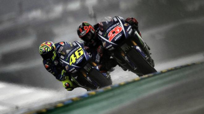 Viñales, por delante de Rossi.