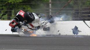 Bourdais se estrella contra el muro.
