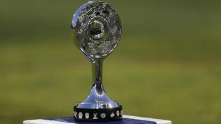 Trofeo del Campeón de Ascenso previo a la Final de vuelta de 2017.