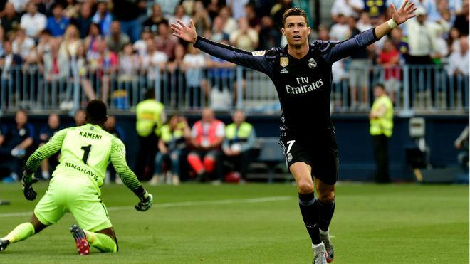 Ronaldo celebra el gol que inauguró el marcador en La Rosaleda.