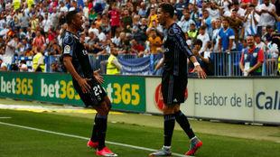 Danilo y Cristiano Ronaldo celebran el gol 40  Cristiano Ronaldo en la...