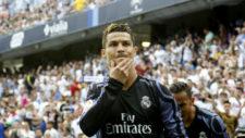 Cristiano celebra un gol en La Rosaleda