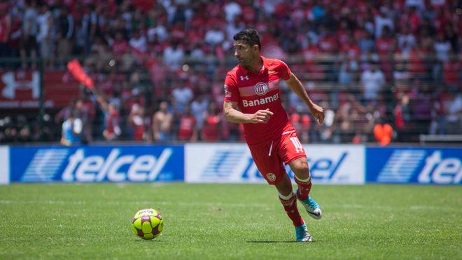Sinha, en uno de sus últimos duelos en la Liga MX.