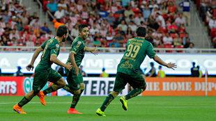 Néstor Calderón marcó un gol y eliminó a Chivas con Santos.