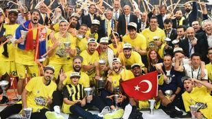 Los campeones de la Euroliga 2016-17 del Fenerbahce, uno a uno