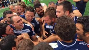 Los jugadores vileros, con el capitán Guillem Carrión al frente,...