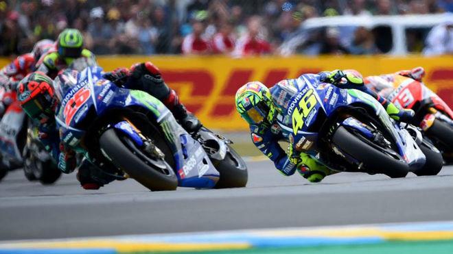 Viñales y Rossi estuvieron en la pelea desde la salida.