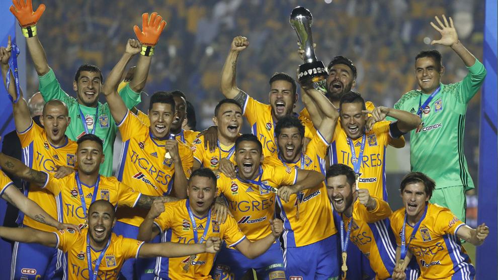 Los Tigres festejan su título más reciente en la Liga MX da6d315dafc4b