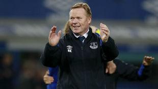 Ronald Koeman, en un partido del Everton de esta temporada.
