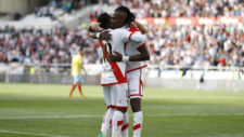 Manucho celebrando un gol con el Rayo Vallecano