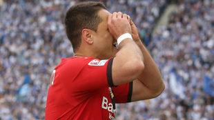 Javier Hernández festeja su gol en la última jornada.