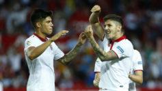 Jovetic celebra junto a Correa su tanto en la última jornada de Liga.
