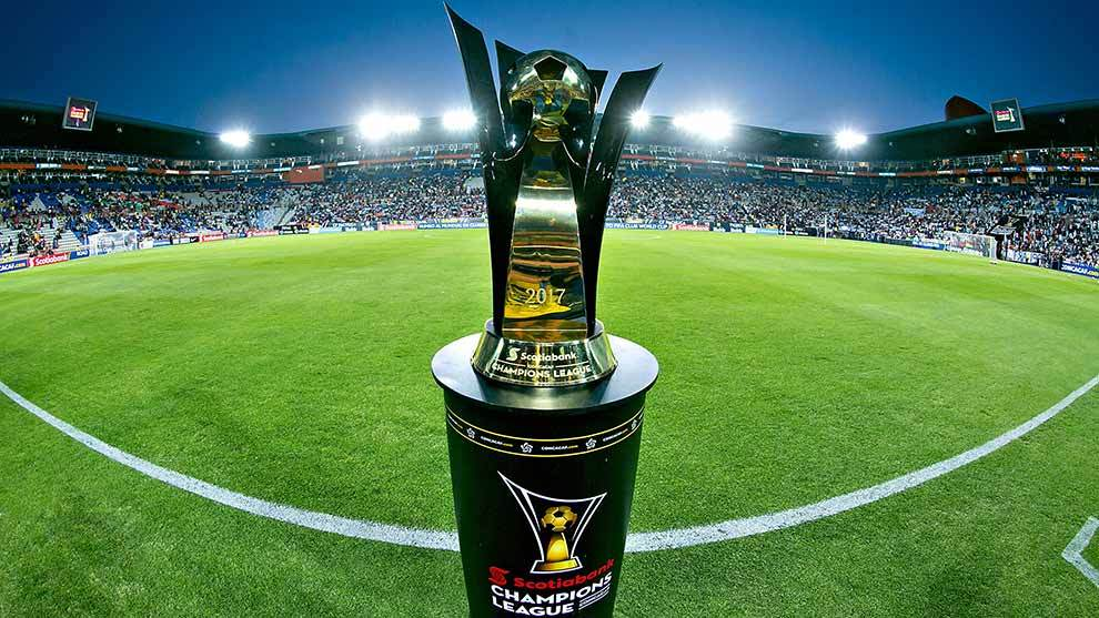 El trofeo de la Concachampions previo a la final de la temporada 16/17...