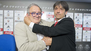 Luis Sabalza y  José Antonio 'Tatono' Arregui, presidente...