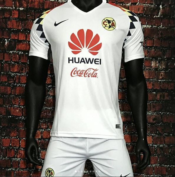 Segundo uniforme del América para el Apertura 2017 642cda573ced1