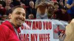 """A Ibra ya no saben cómo pedirle que se quede en el United: """"Te dejo a mi mujer"""""""