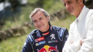 Carlos Sainz, con su ex copiloto Luis Moya.