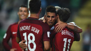 Cancelo celebra un gol con la selección absoluta de Portugal.