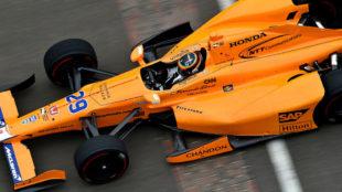 Fernando Alonso, durante la calificaci�n del pasado s�bado en...