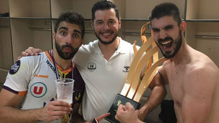 Balaguer, Alberto Entrerríos y Gurbindo, celebrando la consecución...