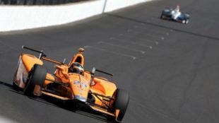 Fernando Alonso durante los entrenamientos para las 500 Millas