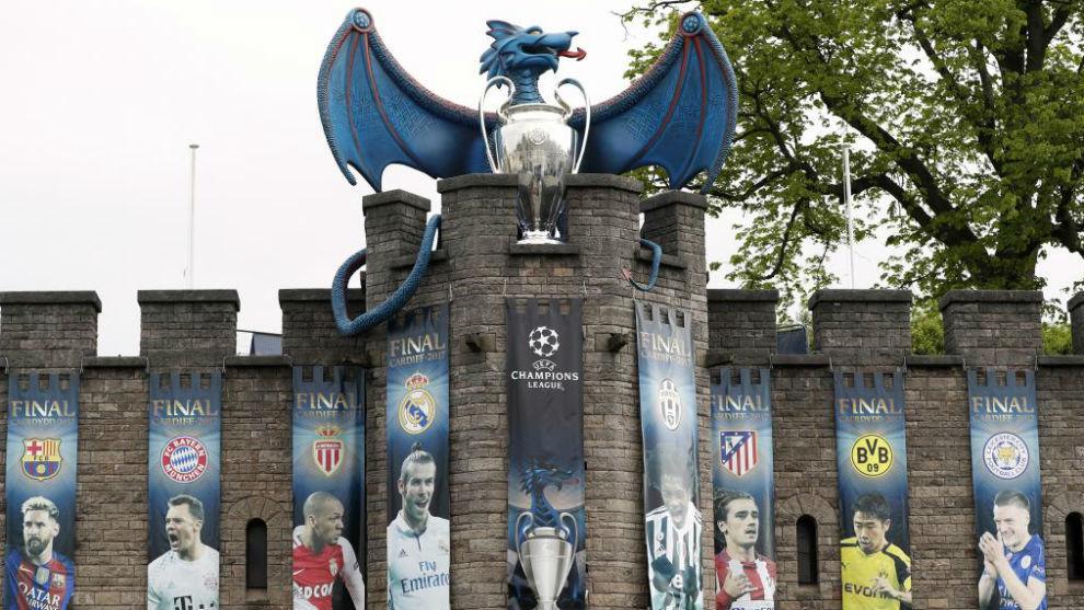 Una de las zonas más emblemáticas de Cardiff adornada para la final.