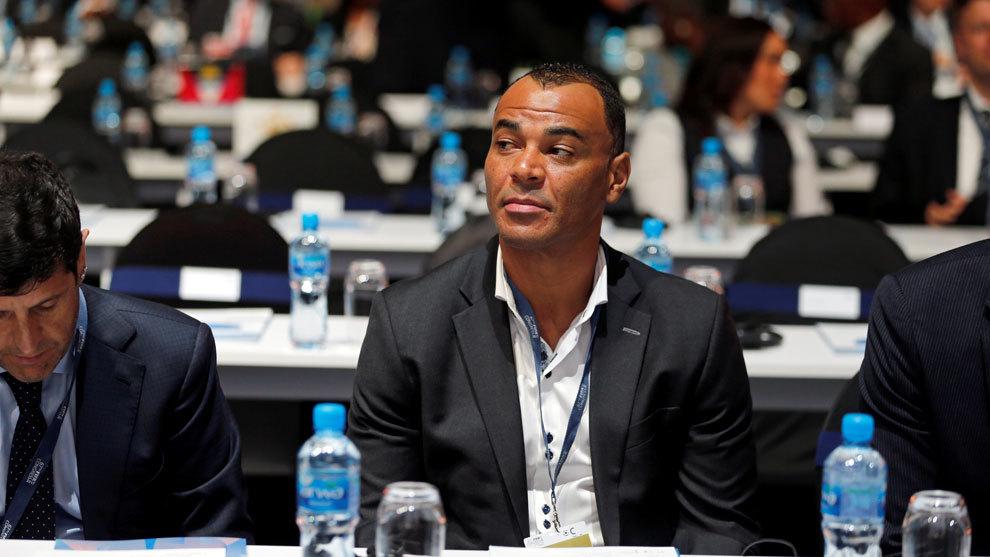 Cafú durante un congreso de la FIFA