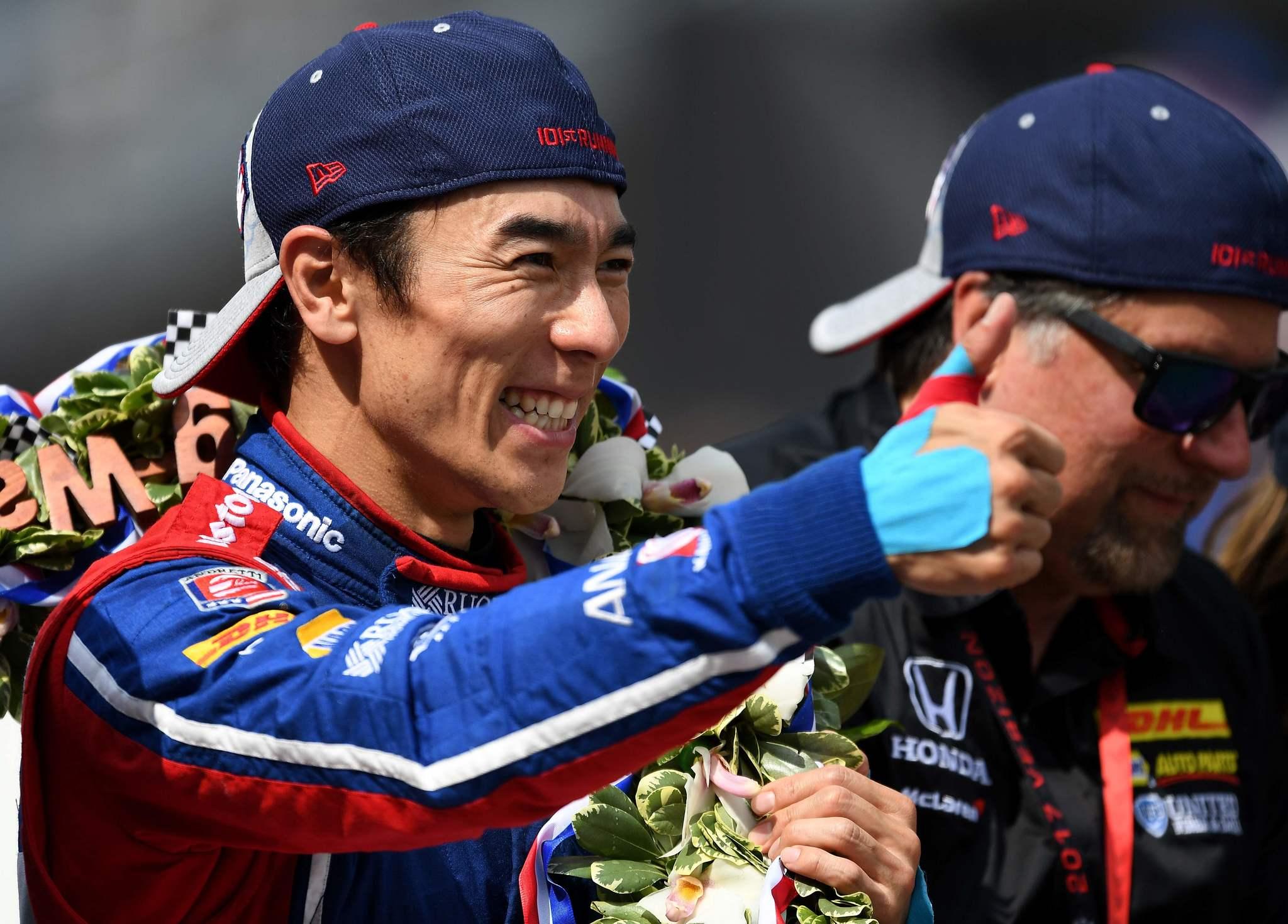 Takuma Sato tras ganar las 500 Millas de Indianápolis