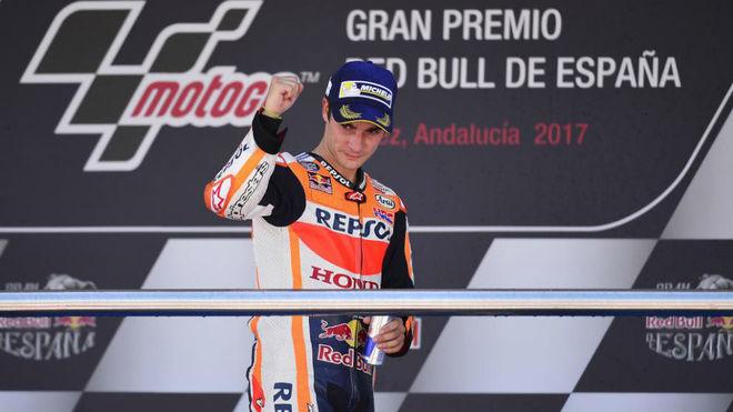 Pedrosa celebra su victoria en el pasado GP de España.