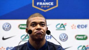 Mbappe en rueda de prensa con la selecci�n francesa.