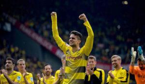 Bartra, en la despedida de la temporada del Dortmund.