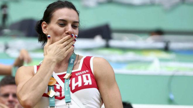 Yelena Isinbayeva en una imagen de archivo durante los pasados Juegos...