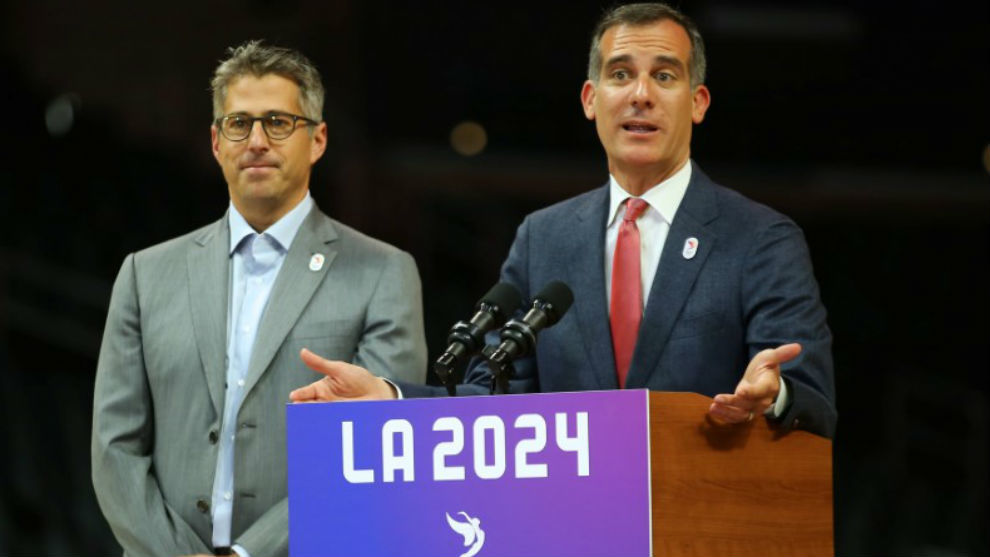 El alcalde de Los Ángeles y el presidente de la candidatura...