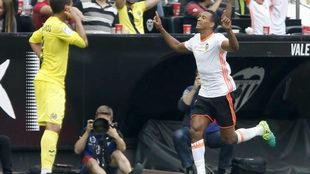 Nani celebra un gol en Mestala.
