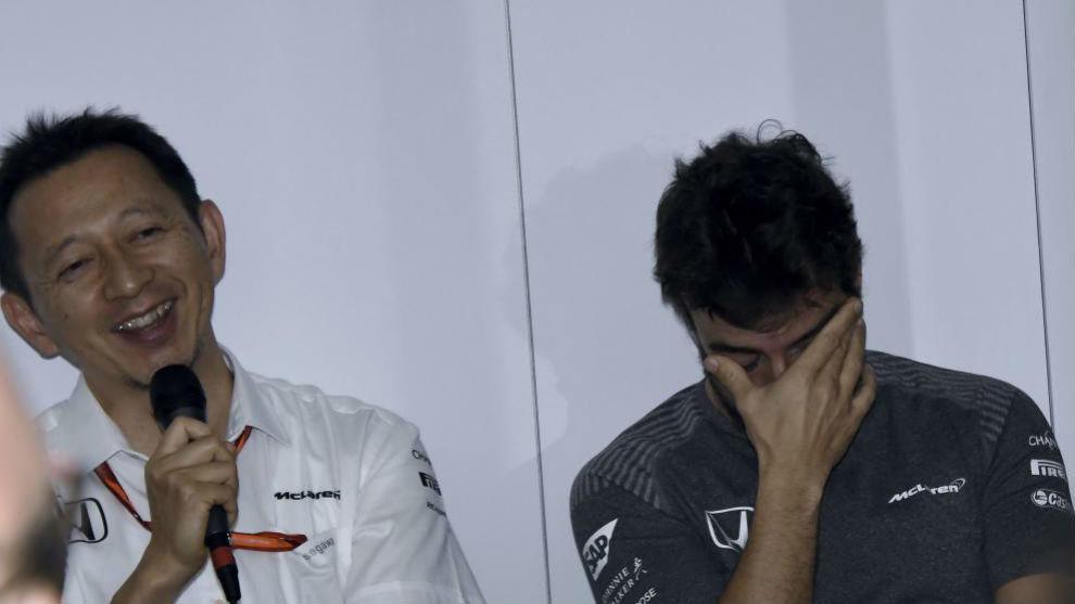 Hasegawa y Alonso, en una rueda de prensa de esta temporada.