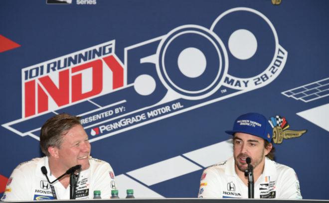 Zak Brown y Fernando Alonso, en la Indy 500.