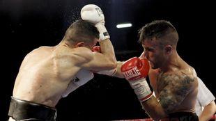 Nicol�s Gonz�lez golpea a Rub�n Nieto en la disputa del europeo en...