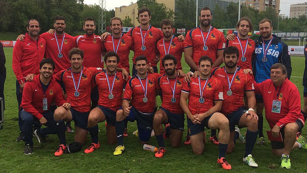 La selección española posa en Moscú junto a los técnicos Feijóo y...